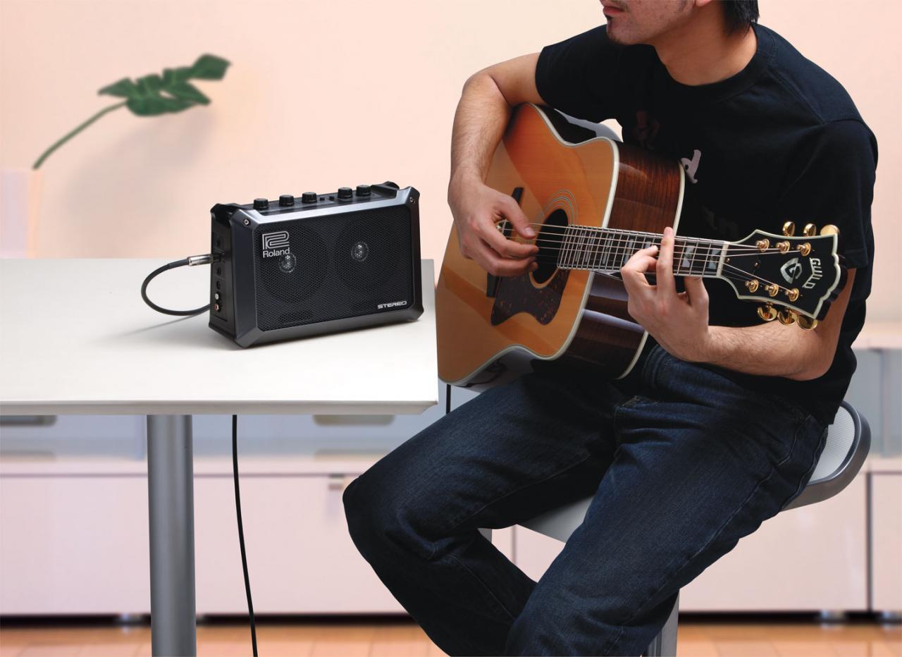 罗兰 Roland MOBILE CUBE 吉他音箱